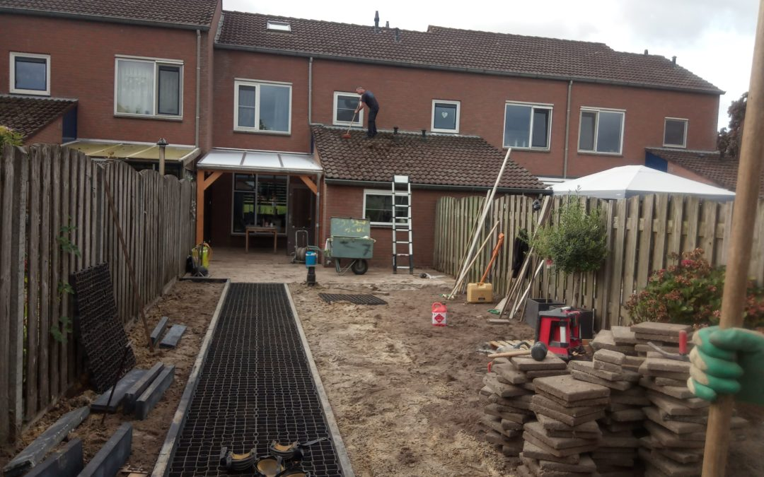 Tuin renovatie met grind & terras verharding